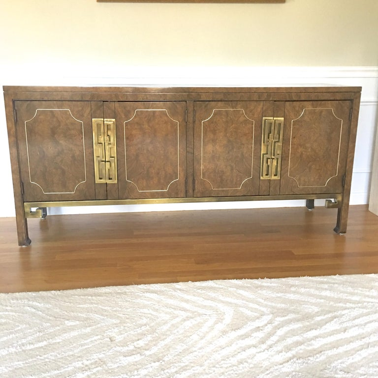 Mid-Century Modern Mastercraft Burl and Brass Sideboard Buffet For Sale