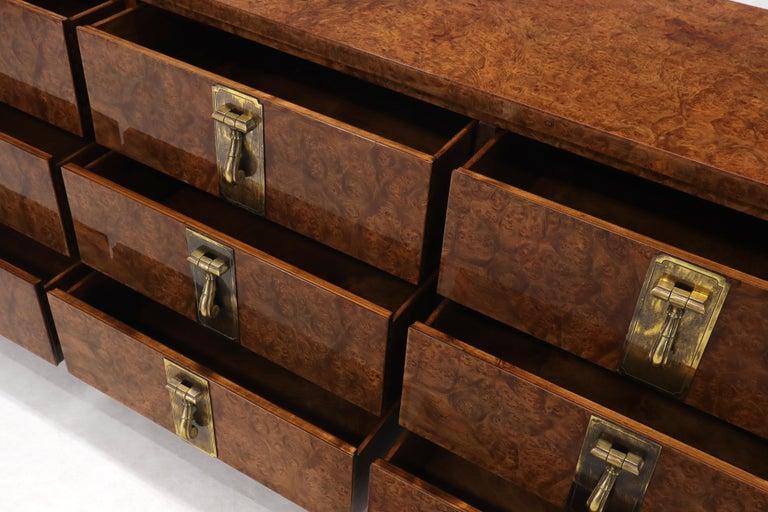 Mastercraft Burl Wood and Brass Hardware Long 9 Drawers Credenza Dresser For Sale 4