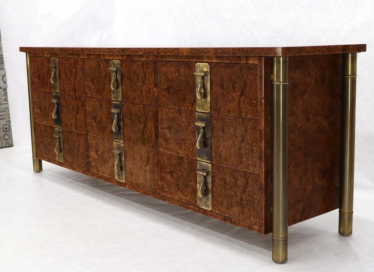 Mid-Century Modern Mastercraft Burl Wood and Brass Hardware Long 9 Drawers Credenza Dresser For Sale