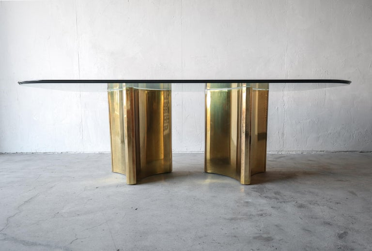 Mastercraft Double Trilobi Pedestal Brass and Glass Dining Table In Good Condition For Sale In Las Vegas, NV