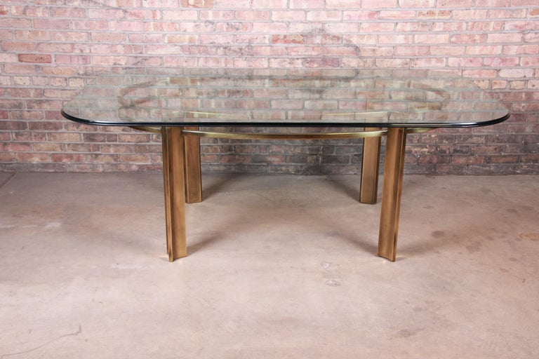 Mid-Century Modern Mastercraft for Baker Furniture Hollywood Regency Brass and Glass Dining Table For Sale