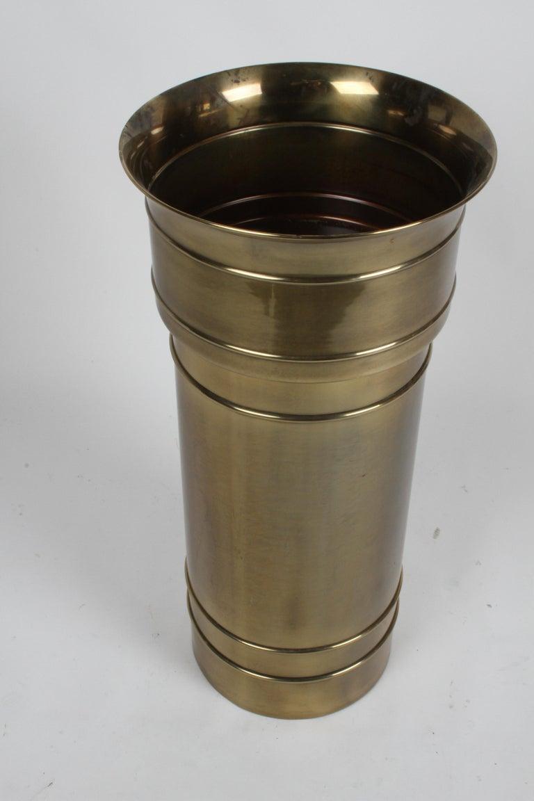 Mastercraft Hollywood Regency Round Cylinder Brass Display Pedestal or Planter For Sale 1