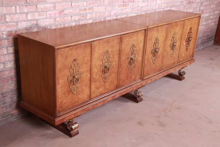 20th Century Mastercraft Monumental Midcentury Hollywood Regency Burl and Brass Sideboard For Sale
