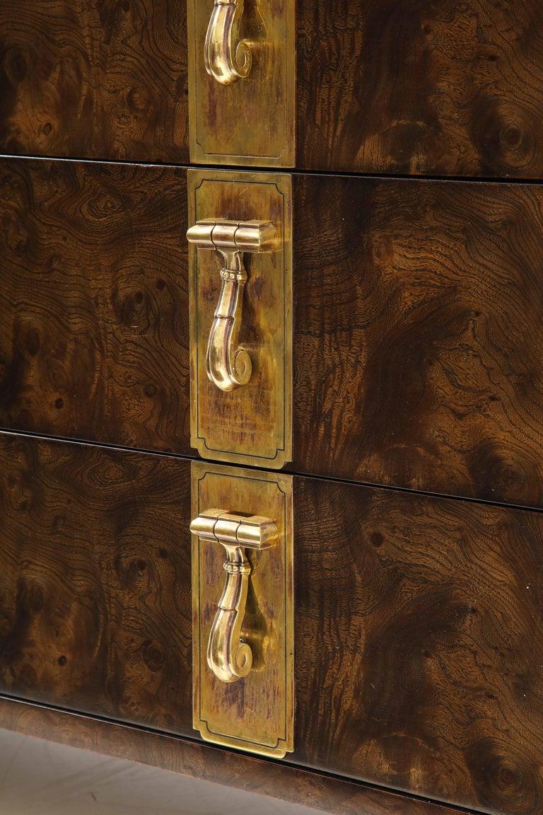 Mastercraft Nine-Drawer Dresser with Brass Hadware For Sale 4