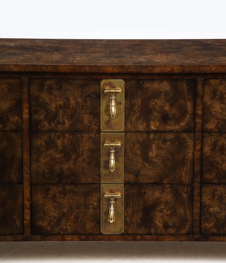 Mastercraft Nine-Drawer Dresser with Brass Hadware In Good Condition For Sale In New York City, NY