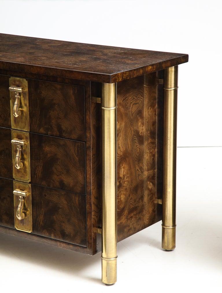 Mastercraft Nine-Drawer Dresser with Brass Hadware For Sale 1