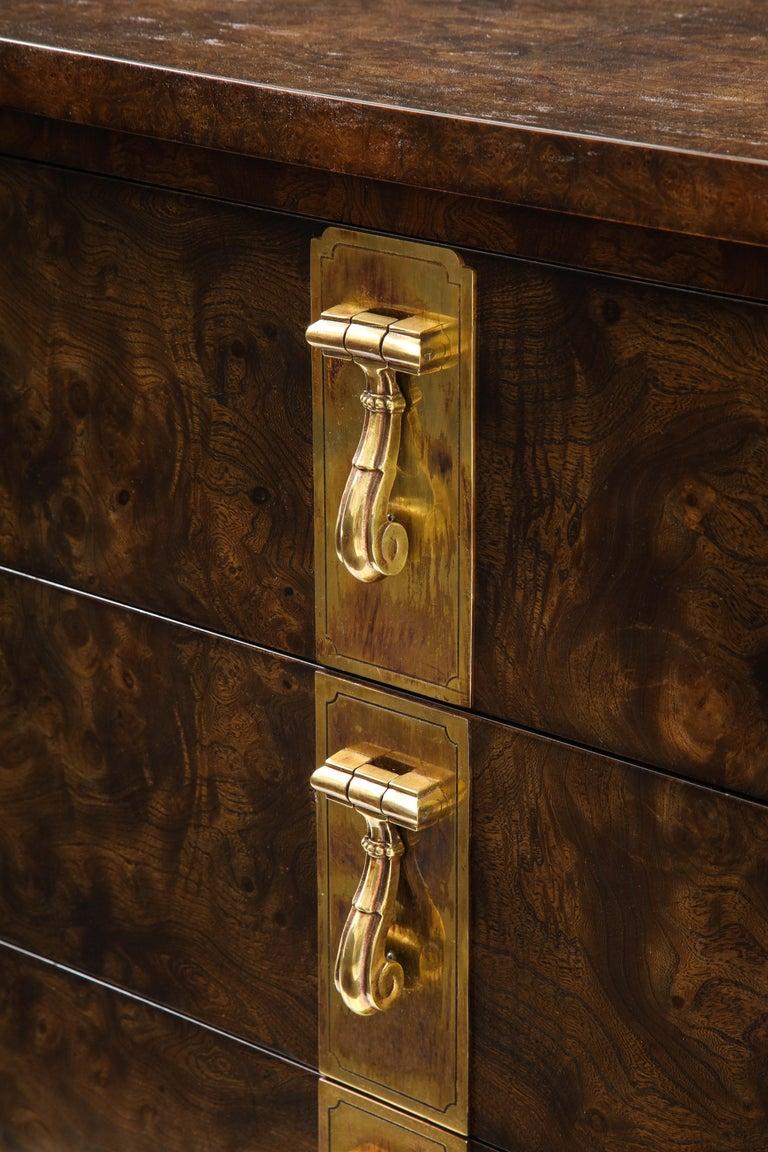 Mastercraft Nine-Drawer Dresser with Brass Hadware For Sale 3