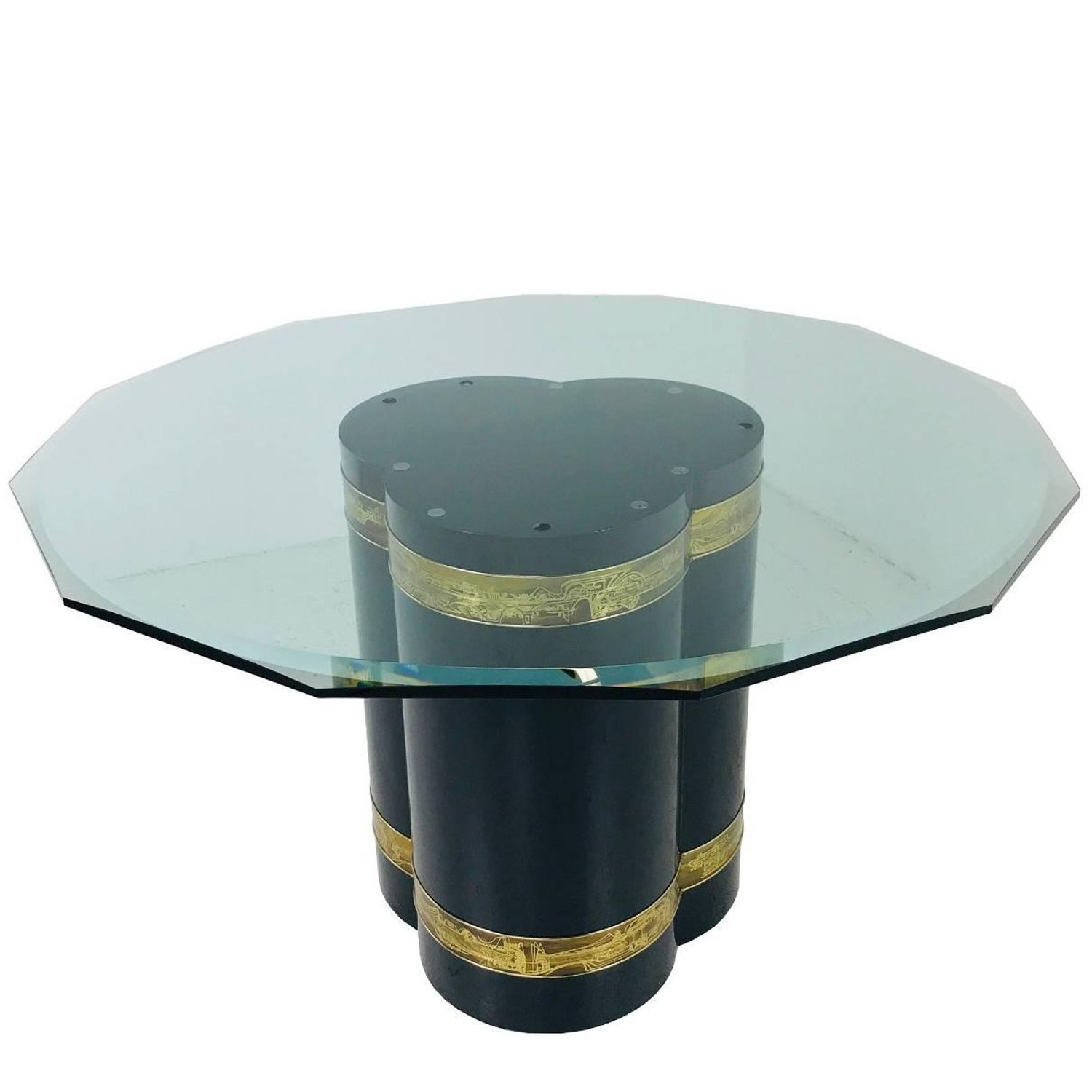 Oval Onyx Pedestal Dining Table For Sale at 1stdibs