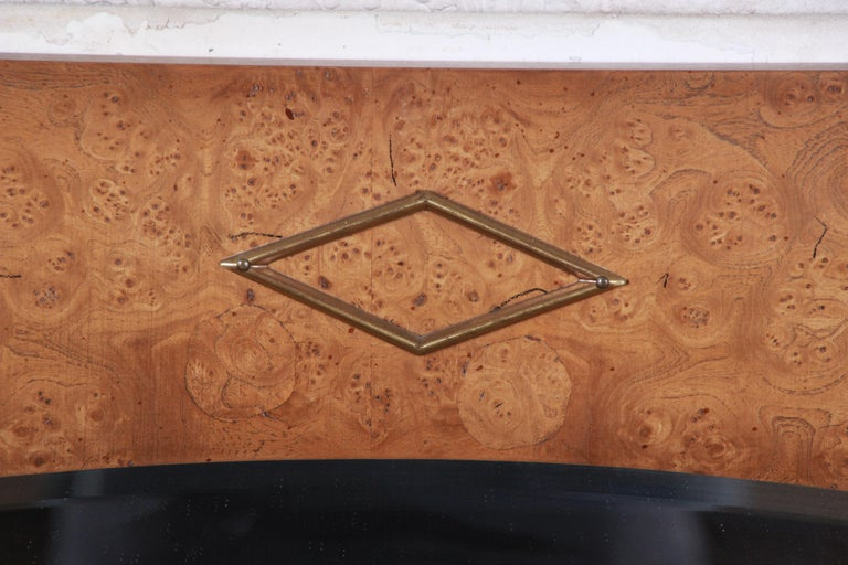 Mastercraft Style Hollywood Regency Burl Wood and Brass Wall Mirrors, Pair In Good Condition For Sale In South Bend, IN