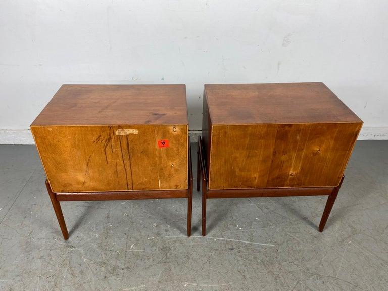 Matched Pair 1-Drawer Teak Nite Stands Made in Denmark by Asbjørn-Mobler For Sale 2