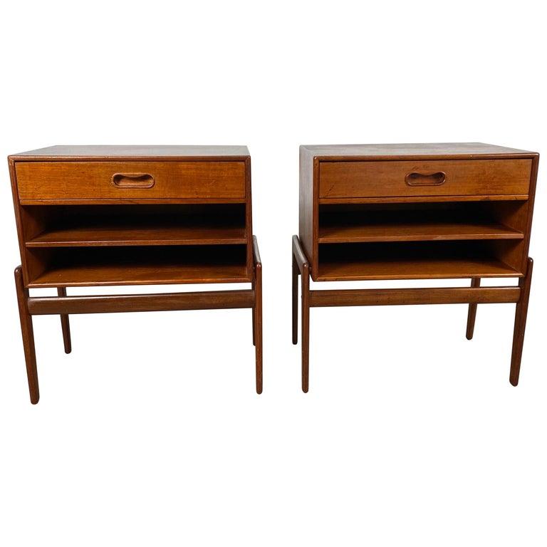 Matched Pair 1-Drawer Teak Nite Stands Made in Denmark by Asbjørn-Mobler For Sale