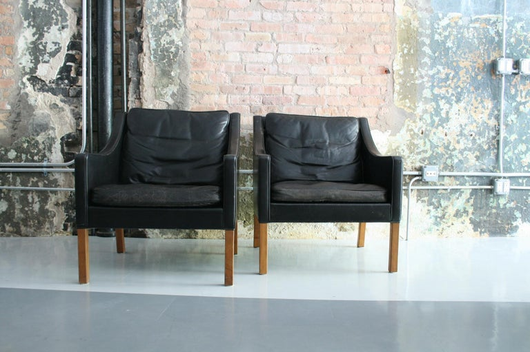 Matched Pair of Børge Mogensen Model #2207 Leather Lounge Chairs 7
