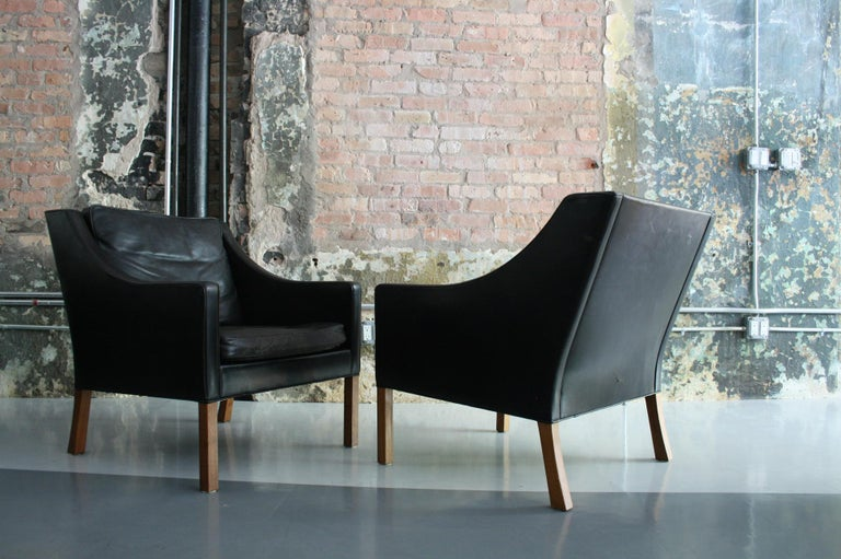 Matched Pair of Børge Mogensen Model #2207 Leather Lounge Chairs 9