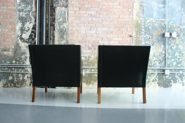 Matched Pair of Børge Mogensen Model #2207 Leather Lounge Chairs 10