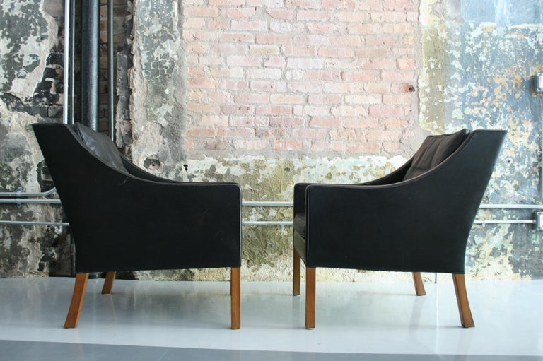 Matched Pair of Børge Mogensen Model #2207 Leather Lounge Chairs 11