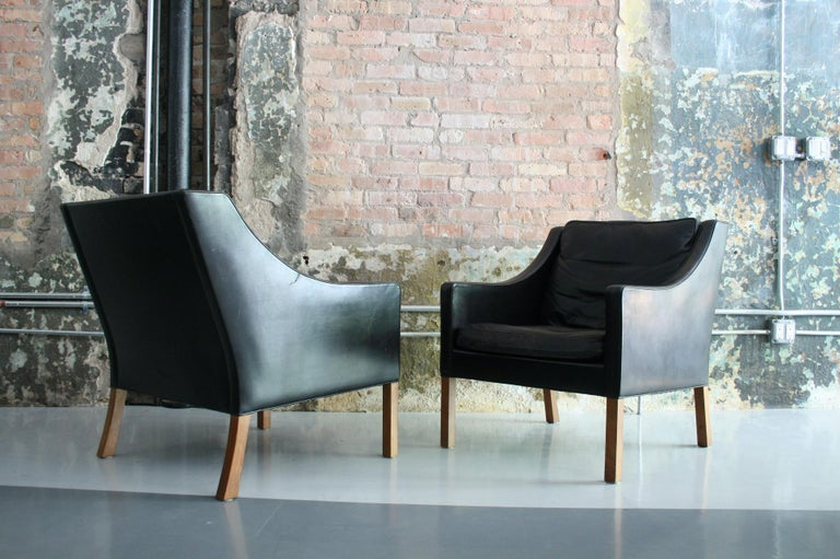 Matched Pair of Børge Mogensen Model #2207 Leather Lounge Chairs 12