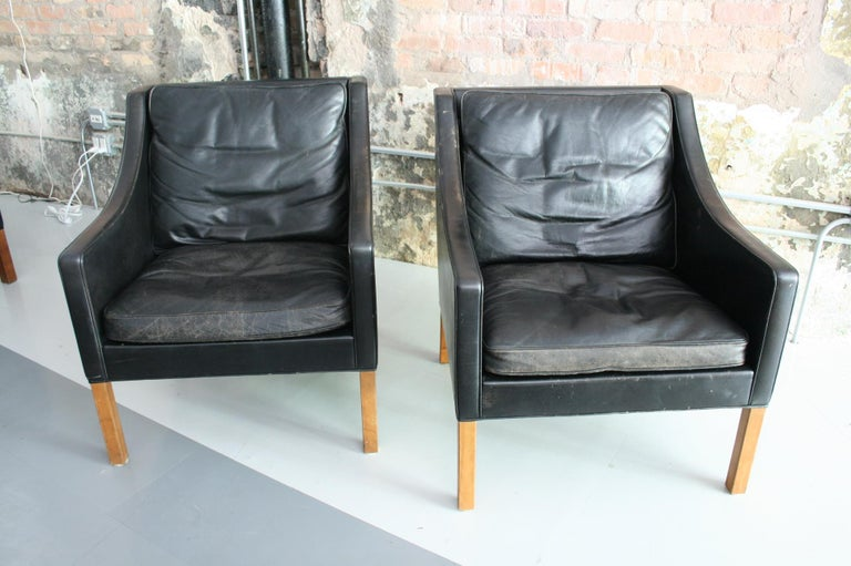 Matched Pair of Børge Mogensen Model #2207 Leather Lounge Chairs 1