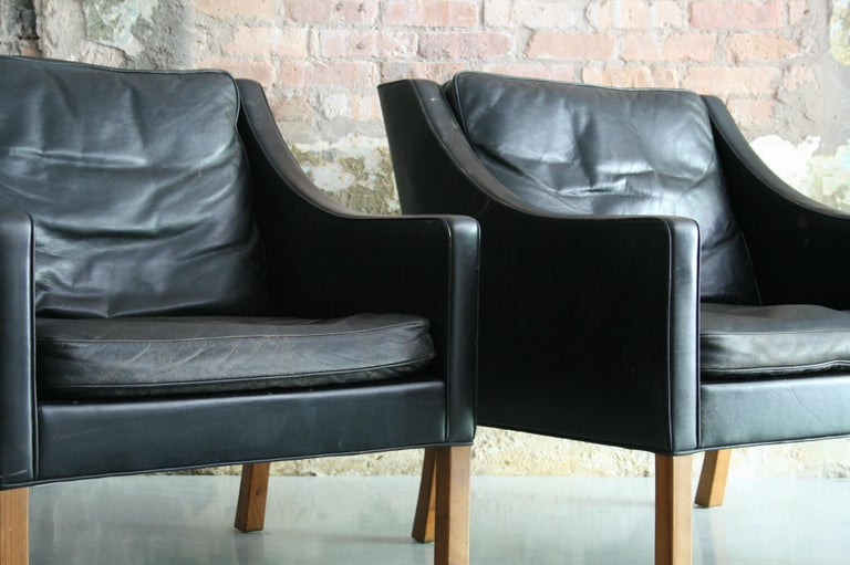 Matched Pair of Børge Mogensen Model #2207 Leather Lounge Chairs 6