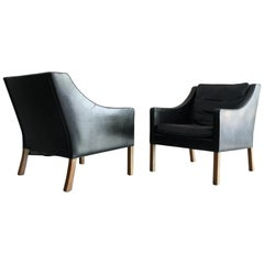 Matched Pair of Børge Mogensen Model #2207 Leather Lounge Chairs