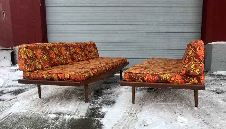 Matched Pair of Modernist Daybeds Designed by Adrian Pearsall In Good Condition For Sale In Buffalo, NY