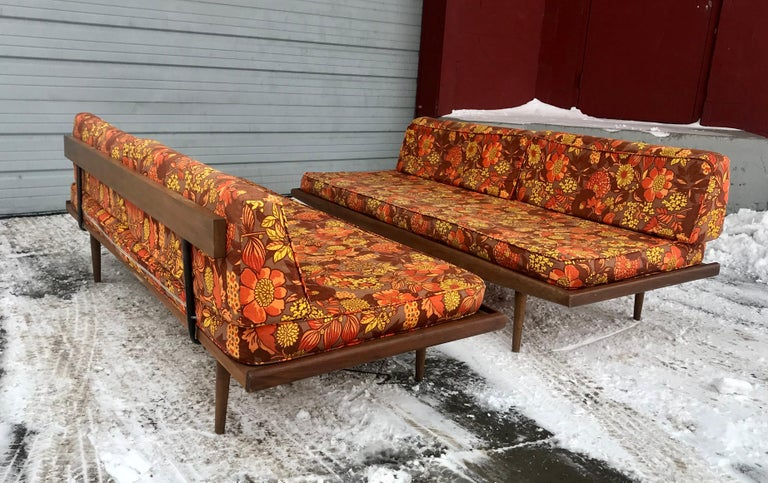 Mid-20th Century Matched Pair of Modernist Daybeds Designed by Adrian Pearsall For Sale