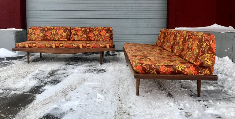 Matched Pair of Modernist Daybeds Designed by Adrian Pearsall For Sale 1