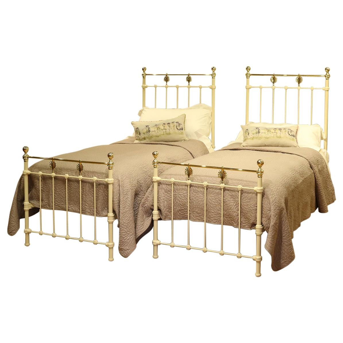 Picture of: Matching Pair Of Twin Brass And Iron Beds Mps34 At 1stdibs