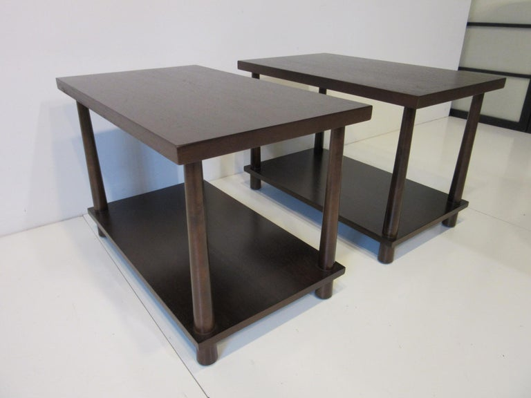 American Matching Pair Side Tables / Nightstands by T.H. RobsJohn Gibbings for Widdicomb  For Sale