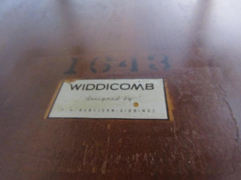 Matching Pair Side Tables / Nightstands by T.H. RobsJohn Gibbings for Widdicomb  For Sale 1