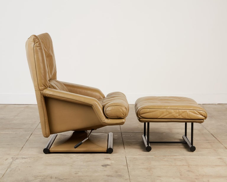 German Mathias Hoffmann for Rolf Benz Leather Lounge Chair and Ottoman For Sale
