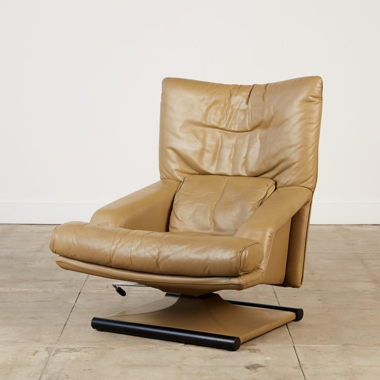Late 20th Century Mathias Hoffmann for Rolf Benz Leather Lounge Chair and Ottoman For Sale