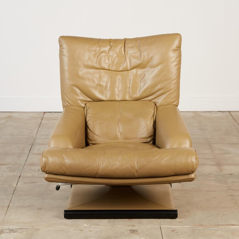 Mathias Hoffmann for Rolf Benz Leather Lounge Chair and Ottoman For Sale 1
