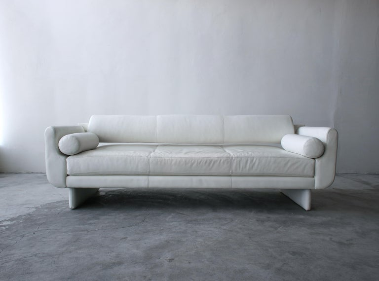 Matinee Sofa Daybed by Vladimir Kagan for American Leather For Sale 1