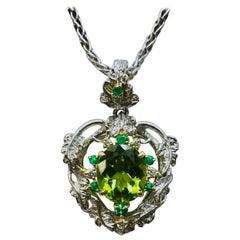 Matsuzaki PT900/K18 Oval Peridot Foliage Emerald Diamond Pendant Necklace
