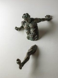 Crisis, bronze