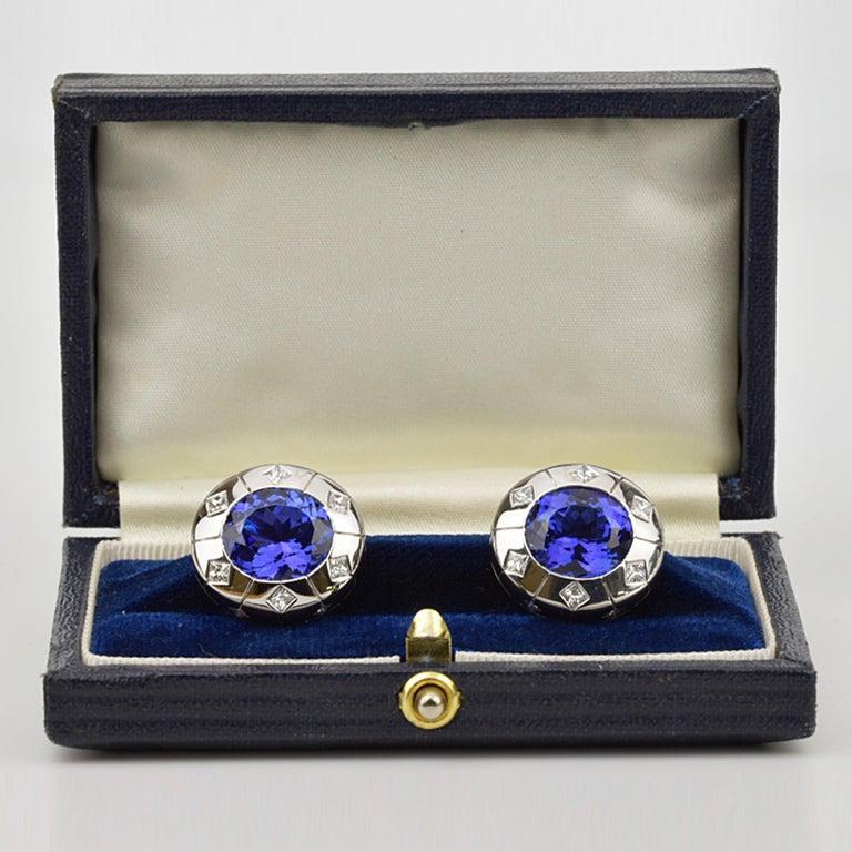 Men's Matthew Cambery 18 Karat White Gold Oval Tanzanite 13.29 Carat Diamond Cufflinks For Sale