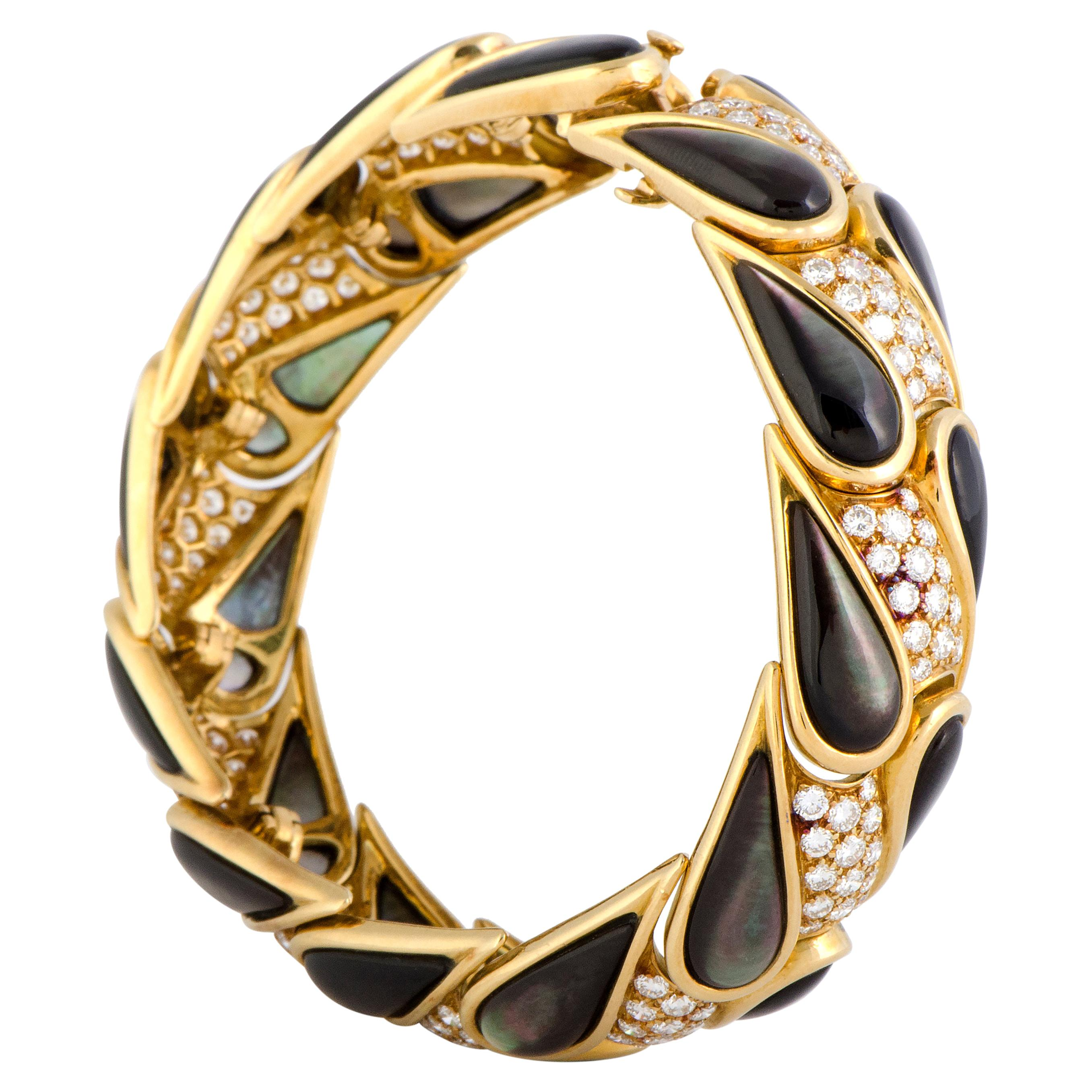 Mauboussin 4.25 Carat Diamond and Black Mother of Pearl 18 Karat Gold Bracelet