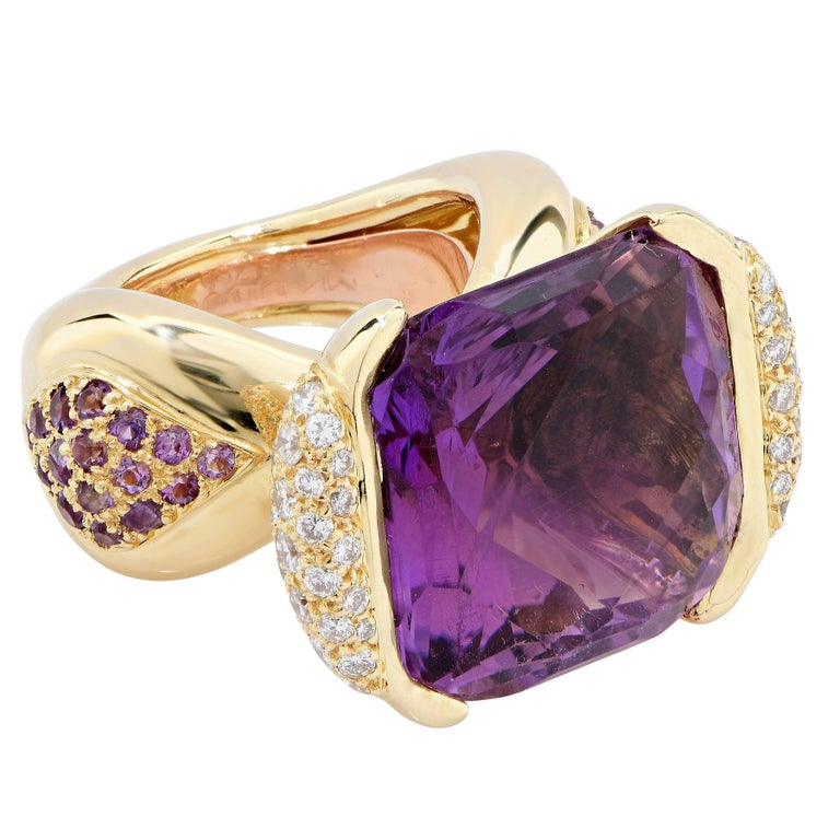 Mauboussin Paris 20 Carat Amethyst and Diamond Ring In Excellent Condition For Sale In Coral Gables, FL
