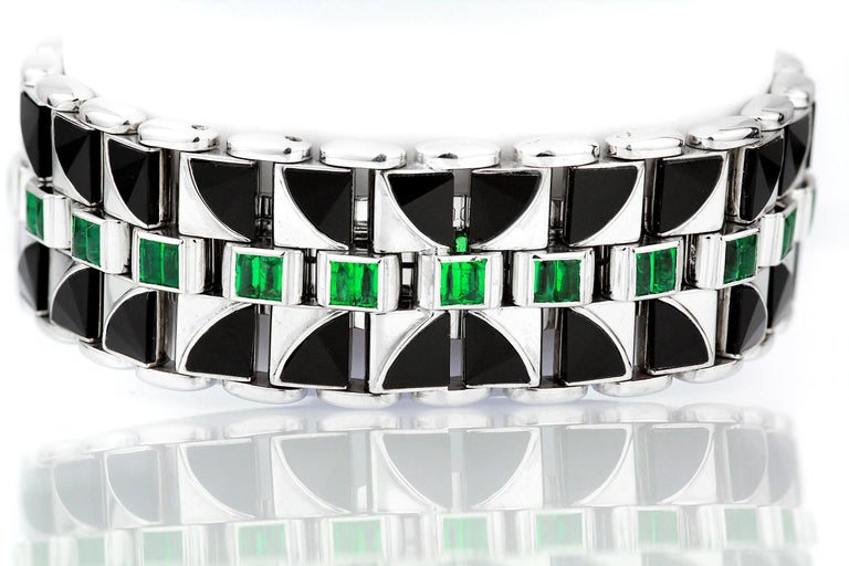 Emerald Cut Mauboussin, Retro, Diamond and Emerald Watch in 18 Carat White Gold, Automatic For Sale