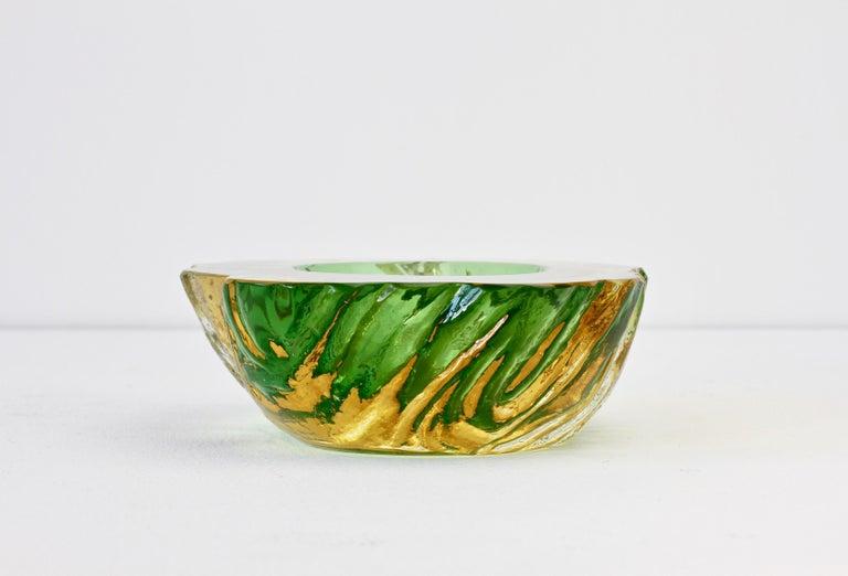 Maurizio Albarelli Attributed Italian Yellow & Green Textured Murano Glass Bowl For Sale 5