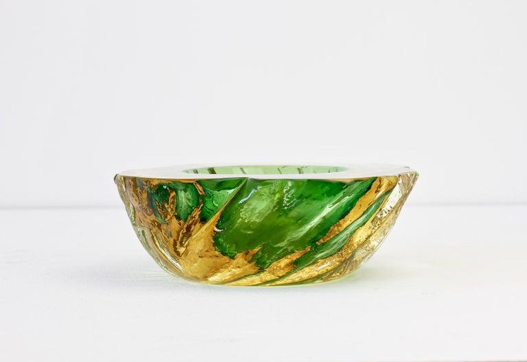 Maurizio Albarelli Attributed Italian Yellow & Green Textured Murano Glass Bowl In Good Condition For Sale In Landau an der Isar, Bayern