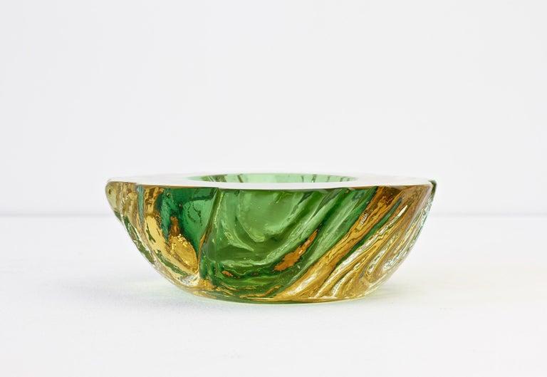 Maurizio Albarelli Attributed Italian Yellow & Green Textured Murano Glass Bowl For Sale 1
