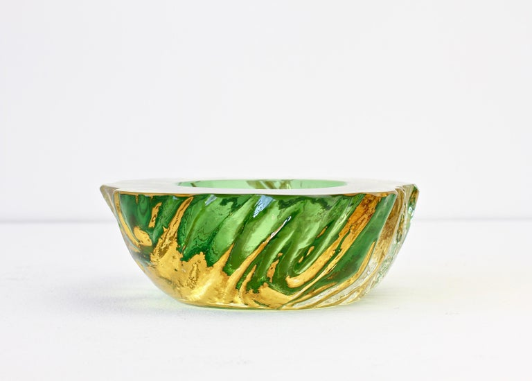 Maurizio Albarelli Attributed Italian Yellow & Green Textured Murano Glass Bowl For Sale 2