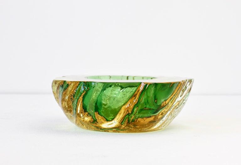 Maurizio Albarelli Attributed Italian Yellow & Green Textured Murano Glass Bowl For Sale 3