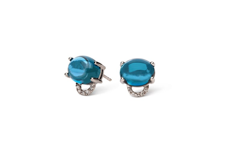 Contemporary Maviada's Diamond Marmaris 18 Karat Gold Stud Earrings, Sky Blue Topaz For Sale