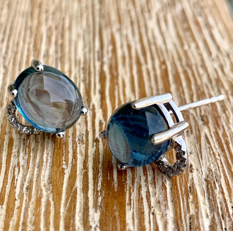 Maviada's Diamond Marmaris 18 Karat Gold Stud Earrings, Sky Blue Topaz For Sale 1