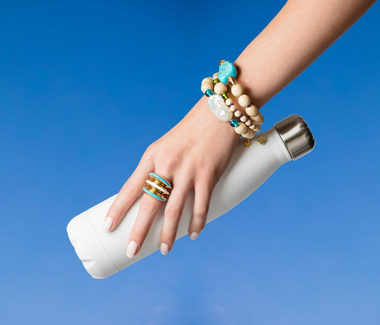 MAVIADA's Modern 18K Gold Minimalism Turquoise Enamel Engagement Cocktail Ring For Sale 3
