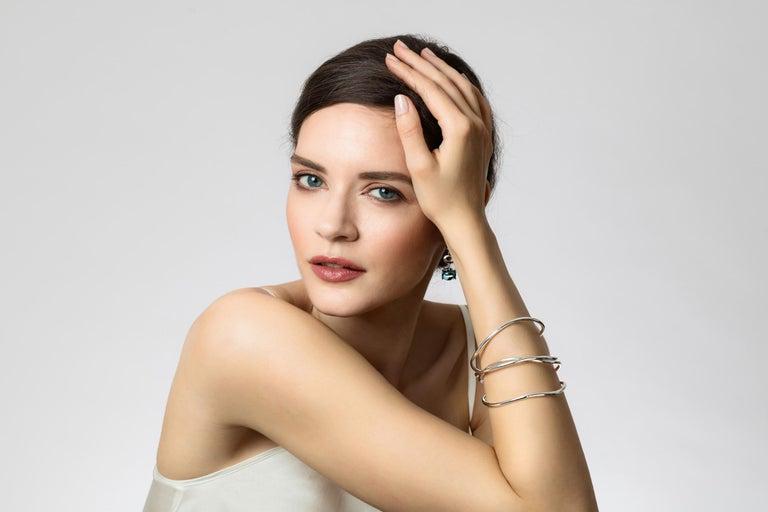 MAVIADA's St Tropez Green Peridot 18 Karat Rose Gold Drop Long Earrings In New Condition For Sale In , GB