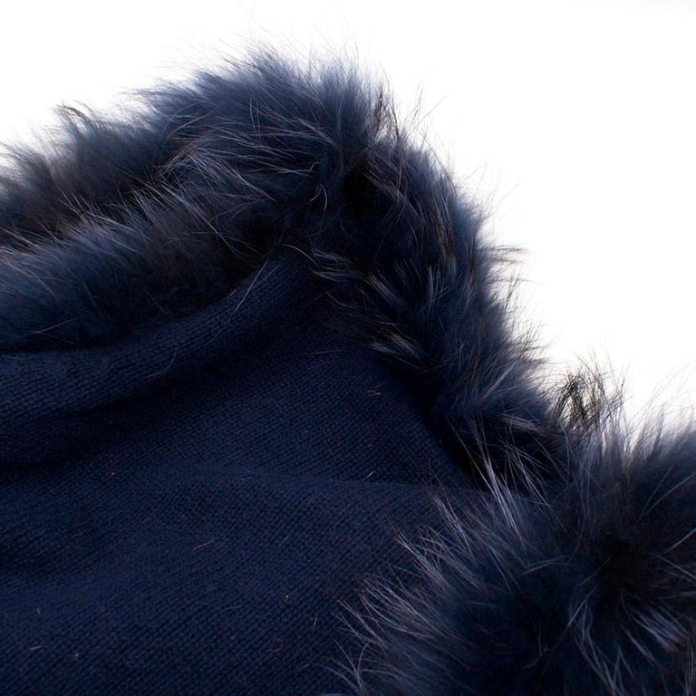 Max by Lederer Cashmere, Wool & Racoon Fur Gilet - Size S For Sale 1