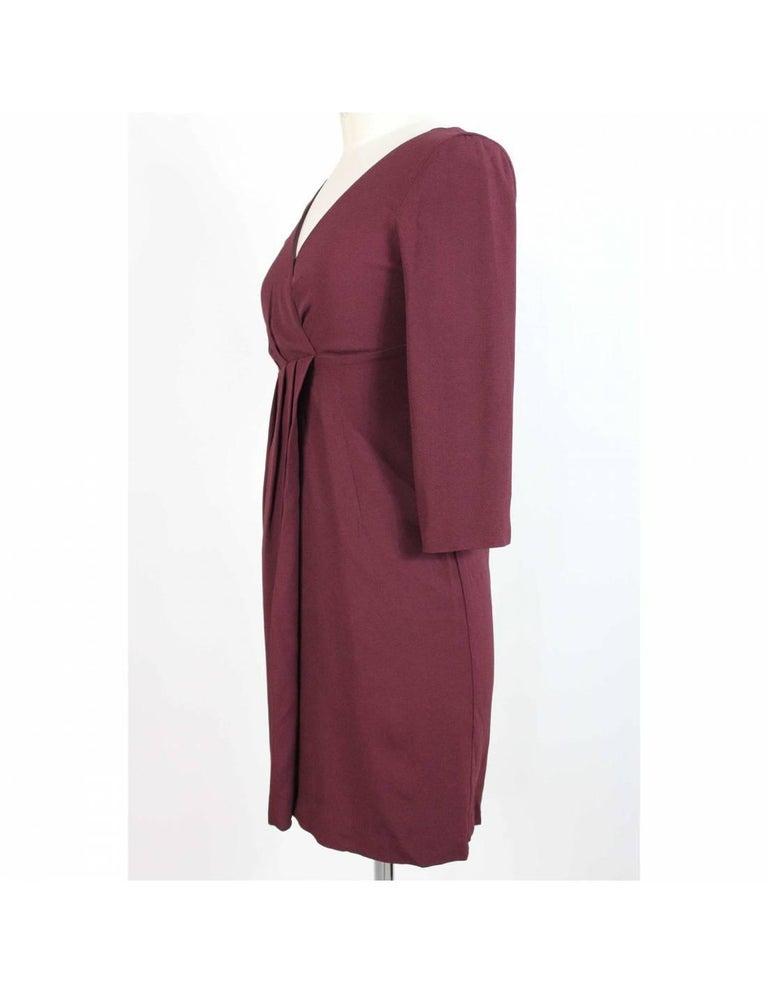 Vintage Max & Co woman dress, burgundy color, viscose, sheath dress, V-neckline, 3/4 sleeves. 90s. Made in Italy. Excellent vintage condiments.  Size: 40 It 6 Us 8 Uk  Shoulder: 40 cm  Bust / Chest: 41 cm  Sleeve: 42 cm  Length: 90 cm